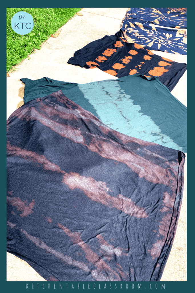 Bleached tie dye works best on 100% cotton. Cotton/poly mixes result in a more subtle bleaching effect as pictured.